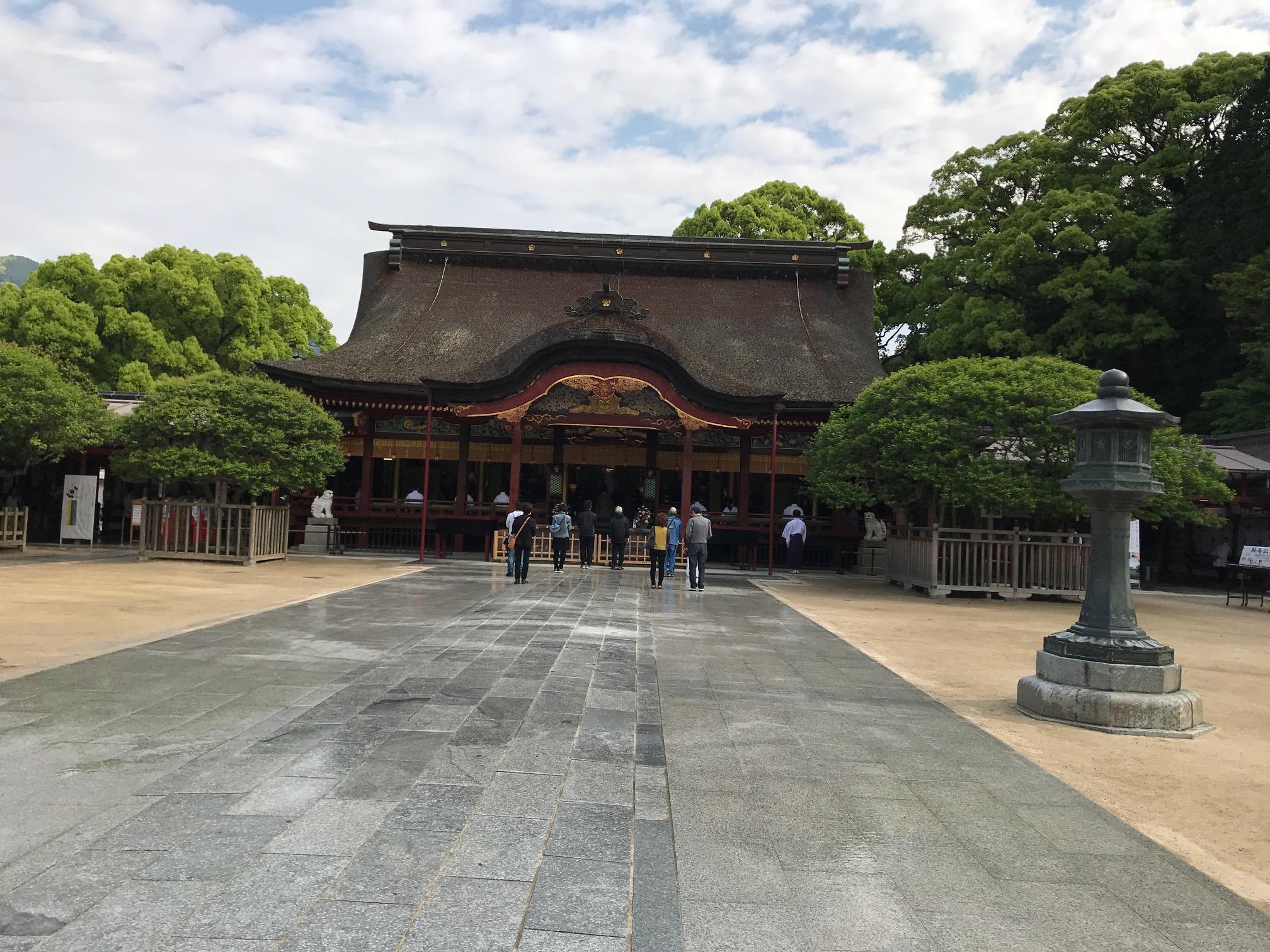 神社仏閣 シリーズ①  太宰府天満宮から、九州国立博物館への連絡階段、120段。