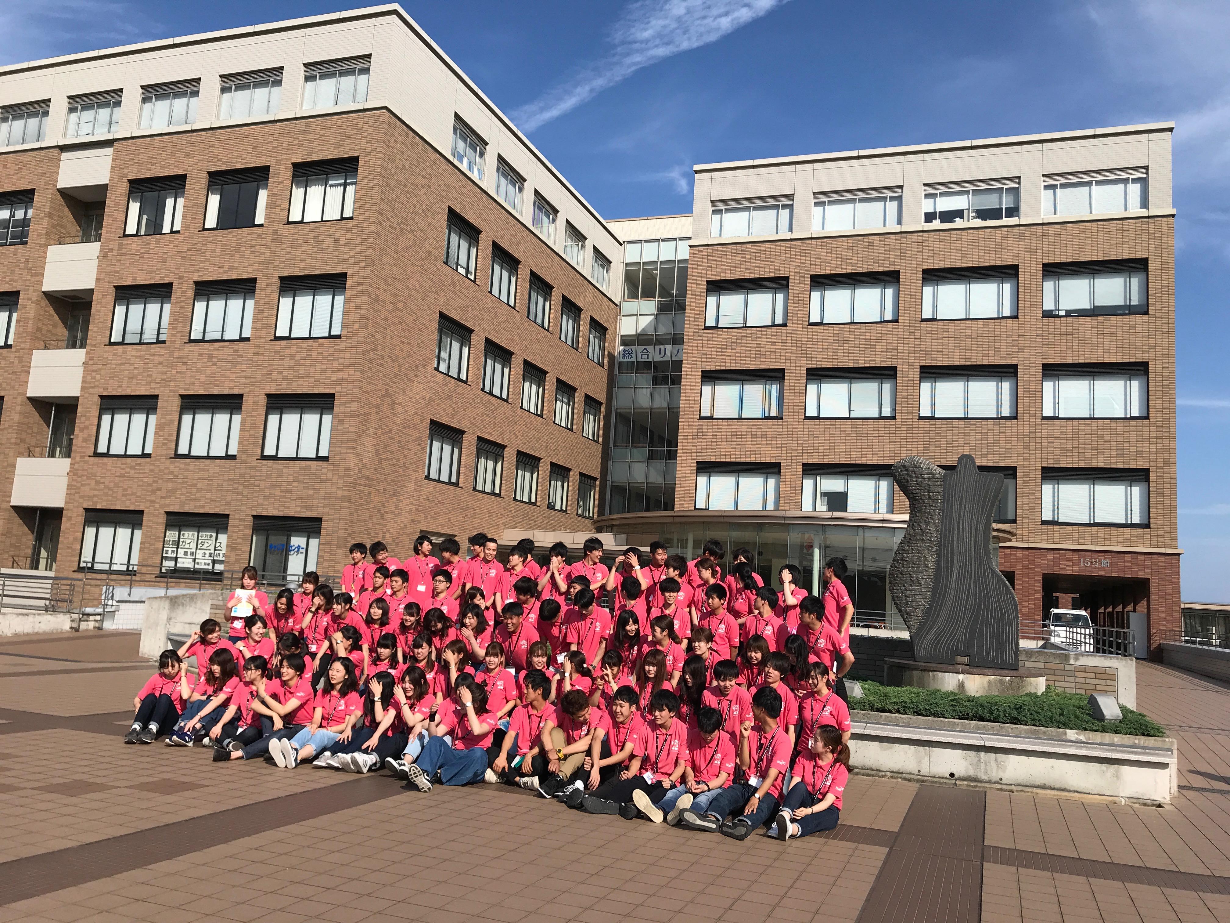 神戸の大学でトークショーと、プレゼン指導&本番 年齢差52歳を愉しんでいた。
